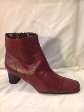 Clarks Maroon Ankle Leather Boots Size 6.5