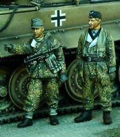 1/35 World War II German Soldiers Ardennes Resin Model Kit (2 Figures)