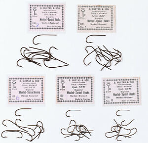 Assortment of Vintage Blind Eye Fly Tying Hooks - Sproat