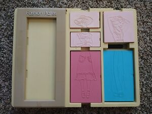 Vintage TOMY FASHION PLATES (1978) - double sided plates