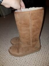Womens Kids chestnut Classic Short Ugg Boots Size 5 PLAY