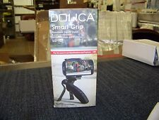 Dolica Smart Grip Handheld Triped/ Stand and Car Vent Holder Black