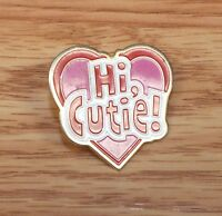 "Vintage Style Small 1"" (inch) Pink Red & Gold Tone ""Hi, Cutie!"" Collectible Pin"