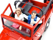 SET DE 2 FIGURINES COUPLE ASSIS HOMME FEMME  - 1/24 JA17DC