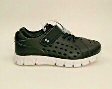 NWT Boys Size 10 Water Shoes Swim Summer Running Hiking Hook Loop Closure Black