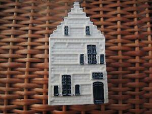 KLMNo. 82 Dutch Delft Blue Miniature House - No Reserve