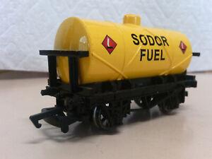 Bachmann Trains Thomas and Friends Sodor Fuel Tanker 77039 HO/OO (BROKEN BUFFER)
