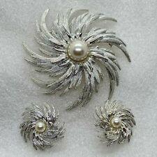 Signed Sarah COVENTRY Vintage PINWHEEL FLOWER BROOCH pin Clip on EARRINGS Set
