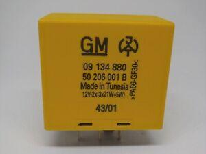 Holden TS Astra JR/JS Vectra XC Barina Indicator Flasher Relay  09134880 Genuine