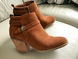 Indigo collection size 5.5 Tan brown  real suede ankle boots