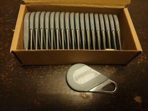Lot De 20 Badges Hexact Tonna Gris V2