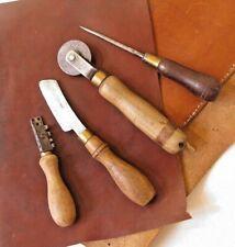Outils cordonnier bourrelier Lot de 4 Antique Shoemaker leather tools set