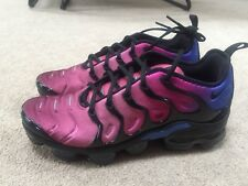 EXCLUSIVE NIKE VAPORMAX PLUS BLACK TEAM RED HYPER VIOLET Size 11 Women's
