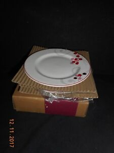 Lenox Merry Berry Dessert/Tidbit Plates Set of 4 in Box 1st Quality Simple Fine