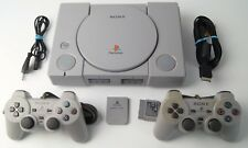 Sony PlayStation 1 / PS1 FAT Konsole (SCPH-9002) + 2 Controller + Kabel