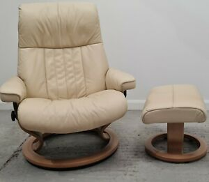 Ekornes Stressless swivel recliner Cream leather chair and Stool 110212