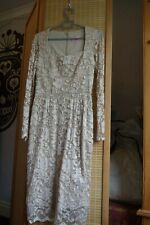 STUNNING CHAMPAGNE LACE FITTED DRESS BY THE PRETTY DRESS COMPANY SZ 12 UNWORN