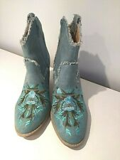 Embroidered Floral Pattern Fabric Cowboy Ankle Boots – Size 5 EU38