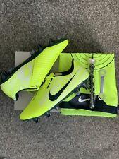 NIKE PHANTOM VENOM ELITE SG-PRO AC VOLT FOOTBALL BOOTS - UK 7 - BRAND NEW
