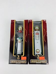 LOT OF TWO  Road Signature gas pump Replicas 1:18 scale BUNDLE OF 2 DIECAST PUMP
