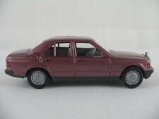 Wiking 145/3D Mercedes-Benz 190 E (1982) in violettmetallic1:87/H0 guter Zustand