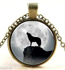 Medaillon vintage + chaine collier bronze Loup/Wolf -Medallion + chain necklace