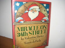 Miracle on 34th Street/ hardback/ davies/ Tomie de Paola/ christmas/ jacket/1984