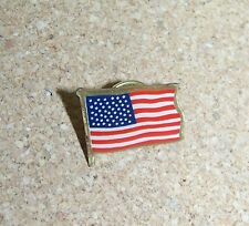 New listing Us U.S. United States American Flag lapel pin c28082