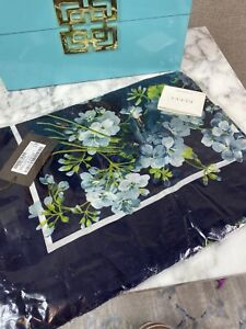 NEW Gucci Blooms Shawl Scarf Navy Blue Modal/Silk with Blue Print 550905 4069