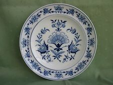 Schöner Meissen Teller mit vielen asiatischen Blumen, Blaumalerei