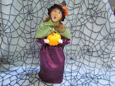 2011 Qvc Byers Choice Exclusive Harvest Witch W/Pumpkin