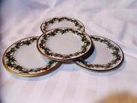 ROYAL GALLERY Christmas THE HOLLY and THE IVY 4 Pc BREAD/BUTTER-DESSERT PLATES