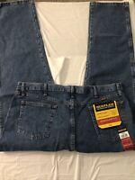 NEW! Rustler Straight Leg Jeans. Heavy denim regular fit. Mens size 42 x 32