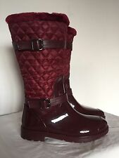 New Women's Weatherproof Boots With Quilted Paneling Size 7 Burgundy