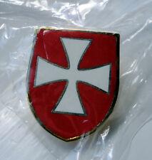 Knights Templar Shield Crusader St George Crusade Cross Pin Badge used Red b/g