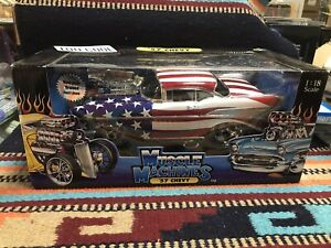 2002 MUSCLE MACHINES US FLAG  -8399