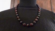collier perles plastique noires et rouge de 57 cm /bijoux