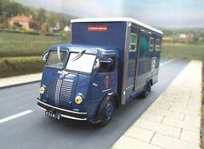 1/43 Scale Berliet GLA Horse Box Lorry  (blue) by Altaya