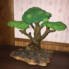 MINIATURE TREE FIGURE AAA GUC