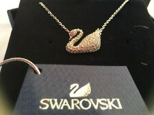 Collier Swarovski Femme Pendentif signe  Iconic Swan Pendentif cristaux NEUF
