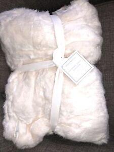 Pottery Barn Kids Anywhere Chair Regular Slipcover Ivory Faux Fur New