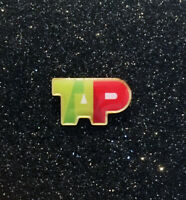 Pin TAP AIR PORTUGAL logo Pin gold back size: 20mm wide / 0.78inches