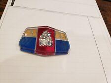 1951 Plymouth Speciale Deluxe Mopar Anteriore Hood Medaglione Emblema Chryco NOS