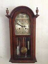 antico orologio a pendolo meccanico da parete  leongrin tempus fugit in legno
