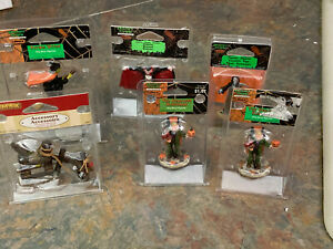 LEMAX SPOOKY TOWN LOT OF (6) HALLOWEEN ACCESSORIES PIECES NICE LOOK!