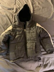 Nike JORDAN Boy's Gray/Black Winter Puffer Coat Jacket 6-7 Years 7LGG NICE FAST!