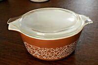 Pyrex Woodland cinderella dark Brown 1.5 Qt Casserole +lid Baking Dish # 474-B