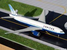 United B777-200 (N775UA)  1:400, Gemini Jets