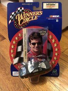 2000 JEFF GORDON 24 NASCAR RACERS 1/64 SCALE DIECAST DuPont Nice! Test Car
