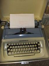 Typewriter manual IMPERIAL SAFARI + cream hard carry case + INSTRUCTIONS CD